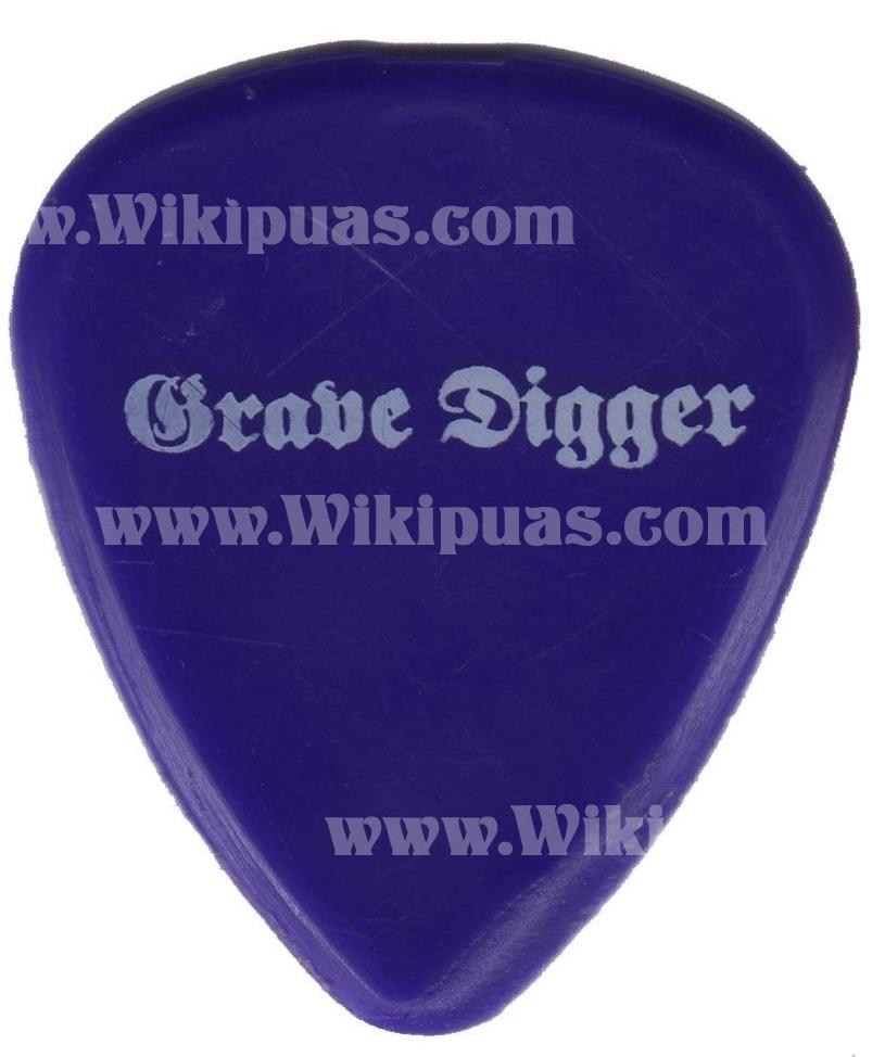 pua-guitar-pick-grave-digger-001