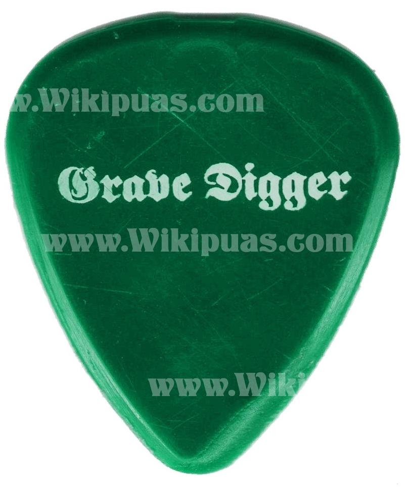 pua-guitar-pick-grave-digger-003a