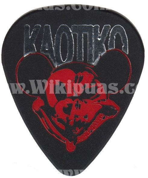 pua-guitarra-kaotiko-002