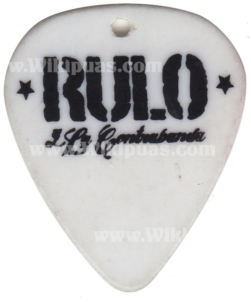 pua-guitarra-rulo-contrabanda-002